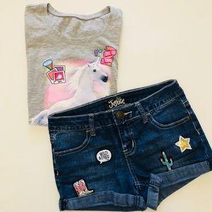 Justice denim shorts w/emoji patches + free tee